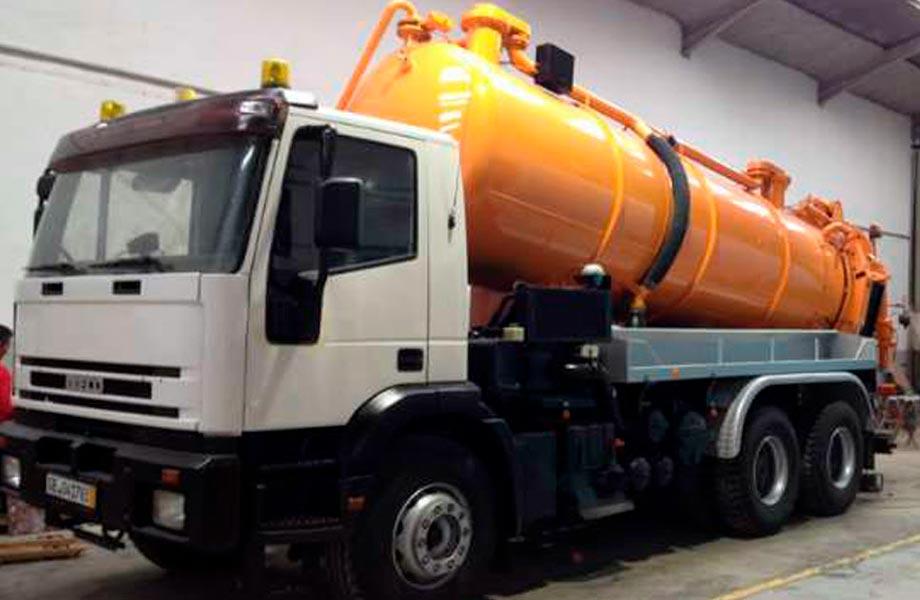 Blazquez Martín Obras Civiles y Medioambientales - Parque Maquinaria - Alquiler Camión cubas de agua